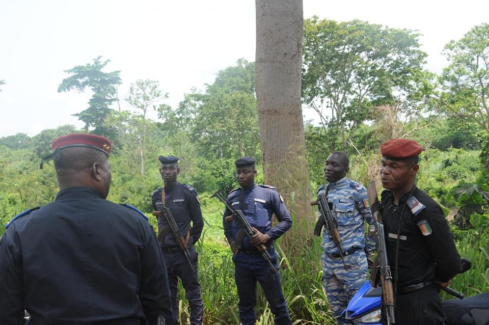 Les Forces de défense et de sécurité de Côte d'Ivoire - Page 6 _12b13
