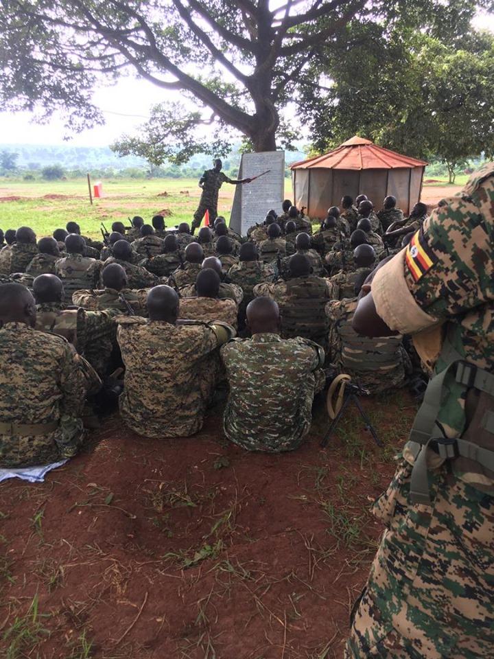 Armée Ougandaise/Uganda Peoples Defence Force (UPDF) - Page 5 _12b131