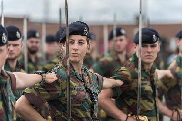 Armée Belge / Defensie van België / Belgian Army  - Page 21 _12b280