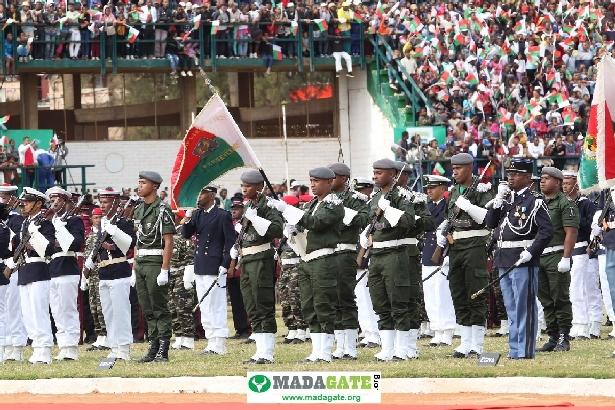 L'armée de Madagascar. - Page 3 _12b321