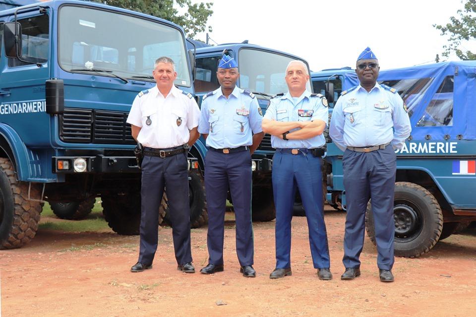 Armées de la République centrafricaine  - Page 9 _12b354