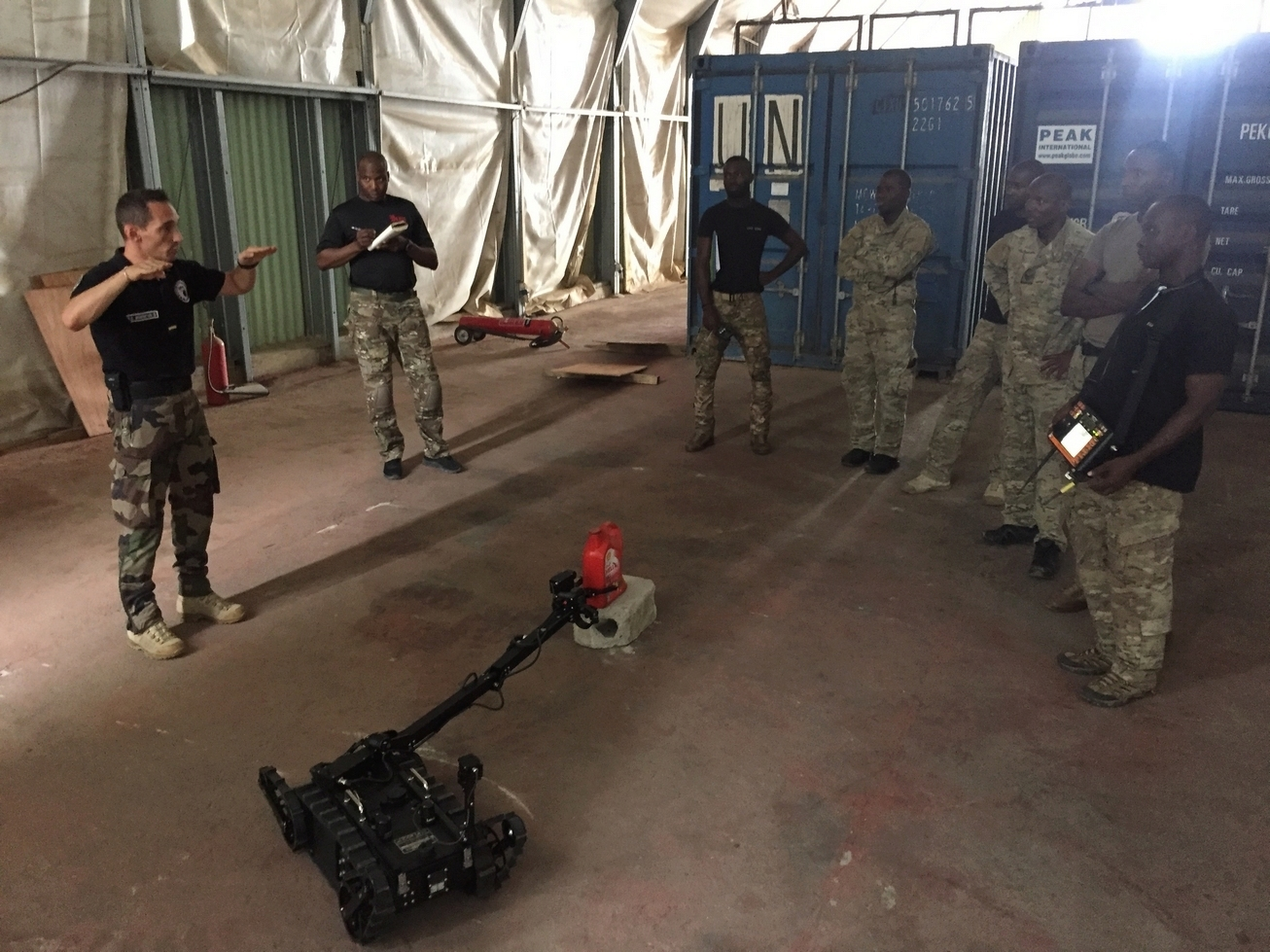 Les Forces de défense et de sécurité de Côte d'Ivoire - Page 6 _12b3a19