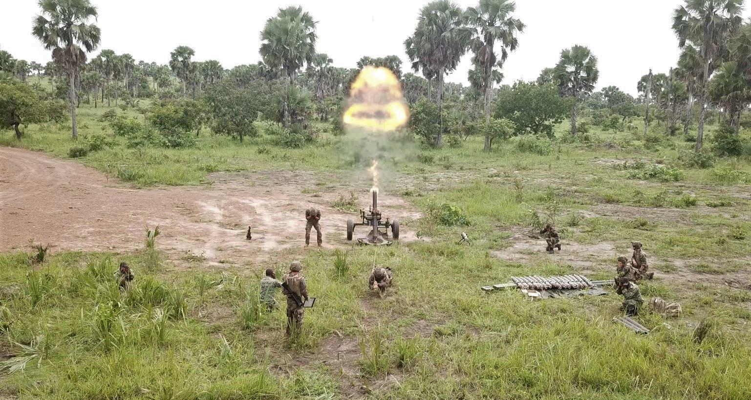 Les Forces de défense et de sécurité de Côte d'Ivoire - Page 6 _12b3a63