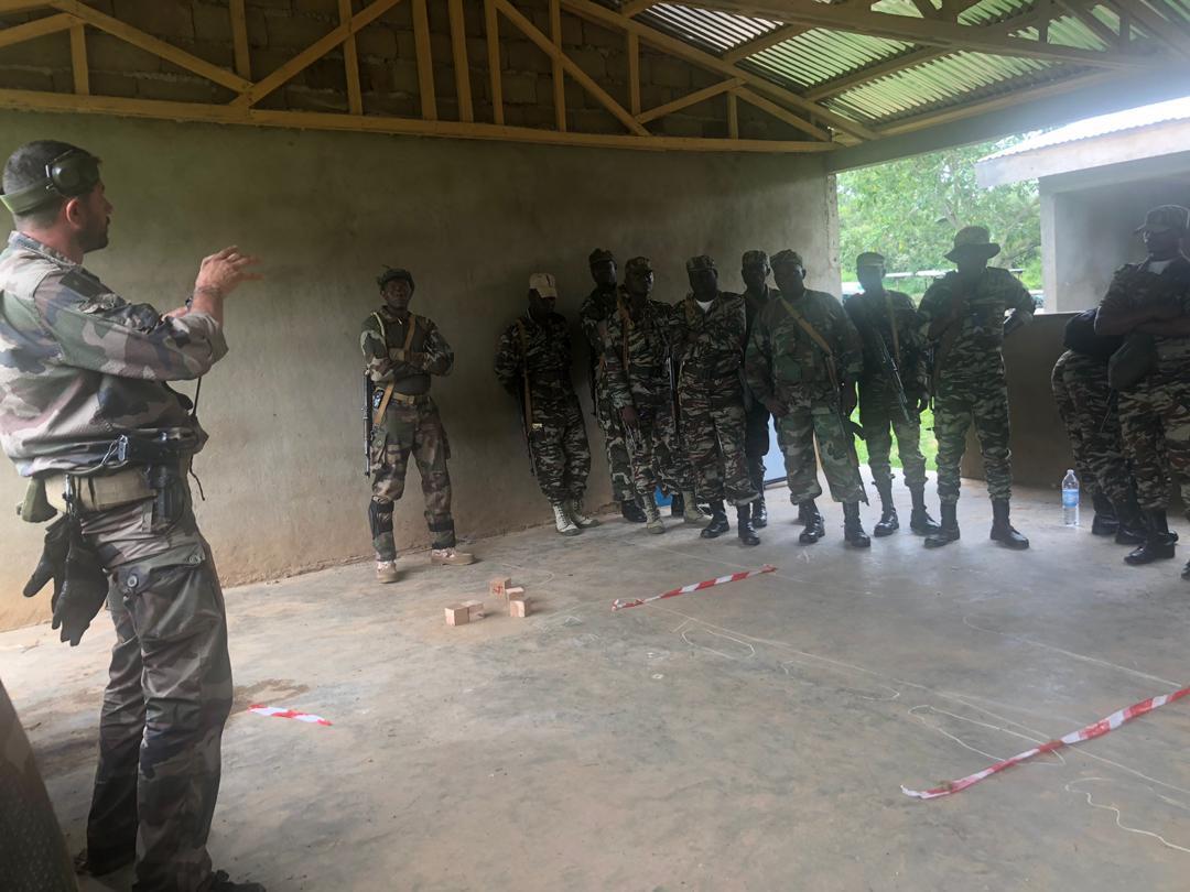 Forces Armées Camerounaises - Page 7 _12b3a71
