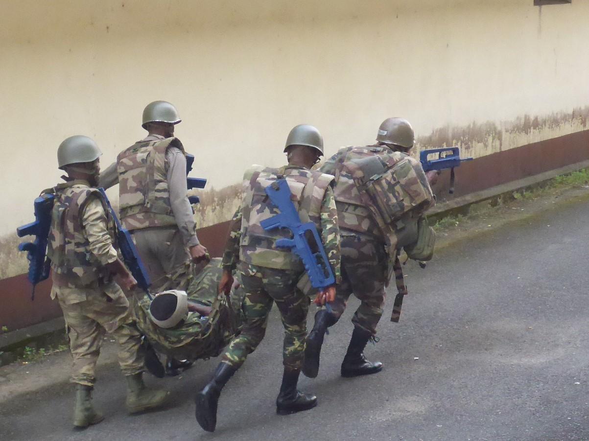 Armée du Gabon - Page 5 _12b3a85