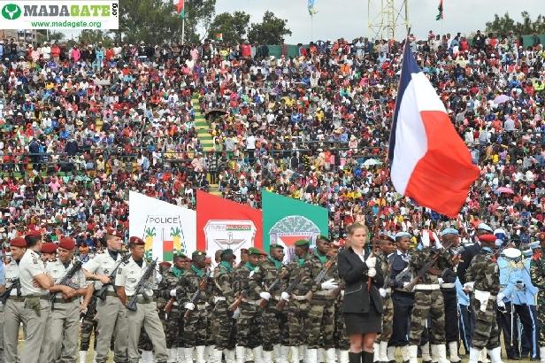 L'armée de Madagascar. - Page 3 _12b421
