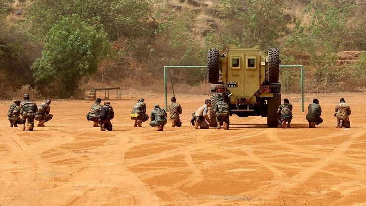 Armée Malienne / Armed and Security Forces of Mali - Page 15 _12b45