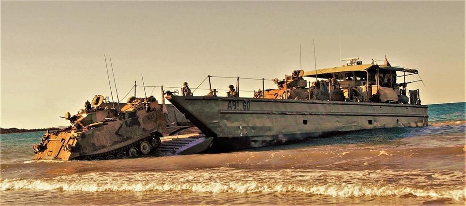 Armée Australienne/Australian Defence Force (ADF) - Page 5 _12b457