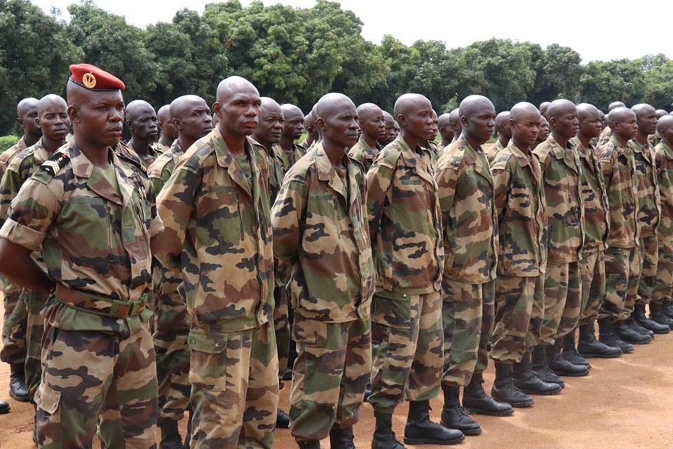 Armées de la République centrafricaine  - Page 9 _12b736