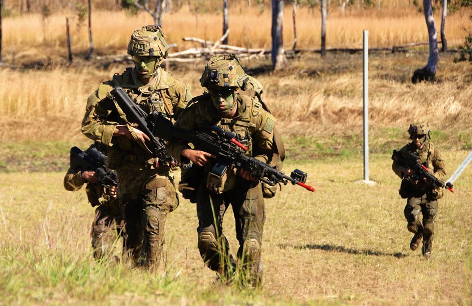 Armée Australienne/Australian Defence Force (ADF) - Page 5 _12b749