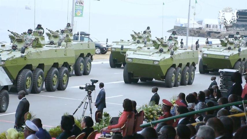Armée du Gabon - Page 5 _12b820