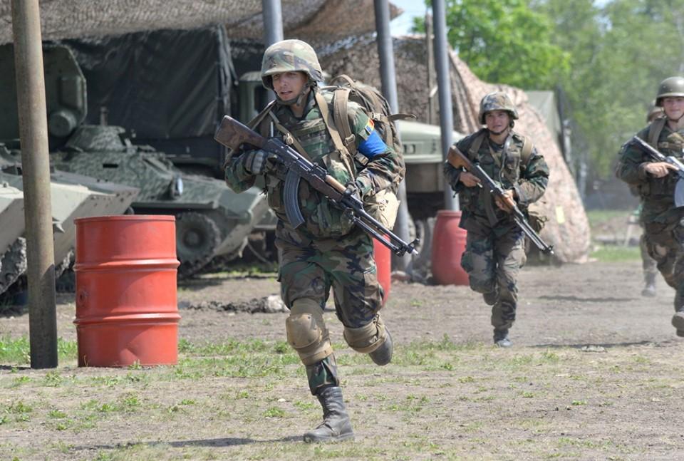 Forces armées moldaves - Page 2 _12b91