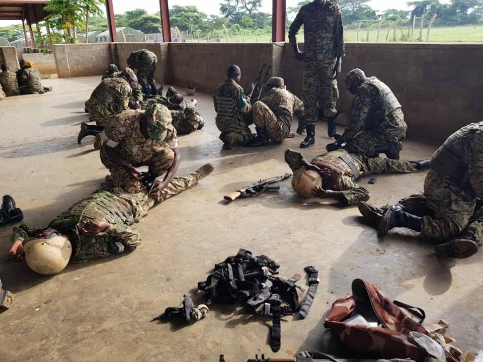 Armée Ougandaise/Uganda Peoples Defence Force (UPDF) - Page 5 _12b93