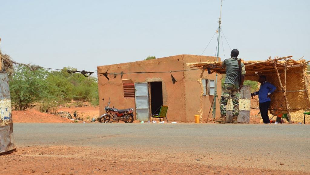 le Sahel zone de non-droit - Page 28 _12c121