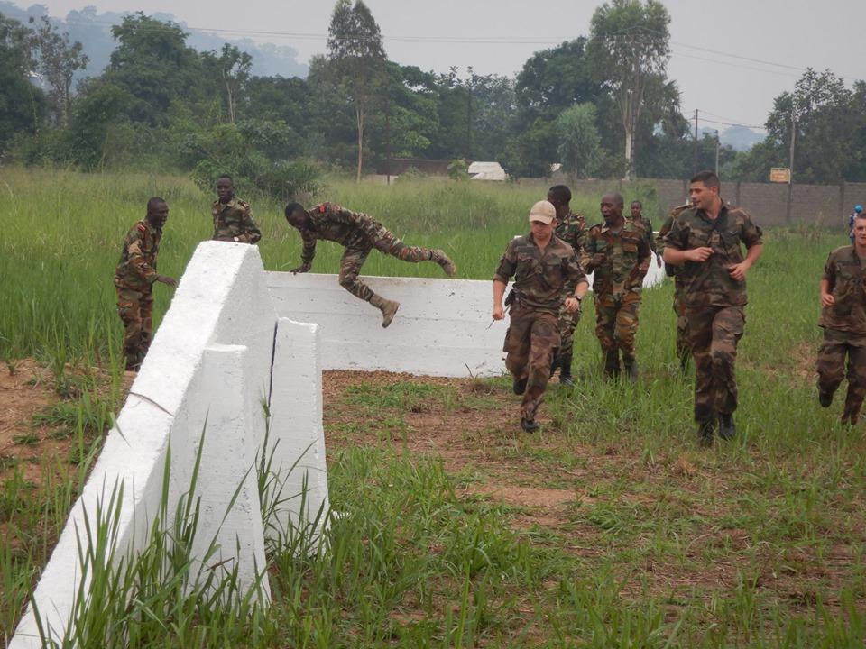 Armées de la République centrafricaine  - Page 9 _12c127