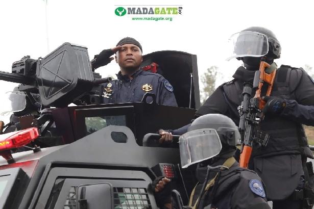 L'armée de Madagascar. - Page 3 _12c144