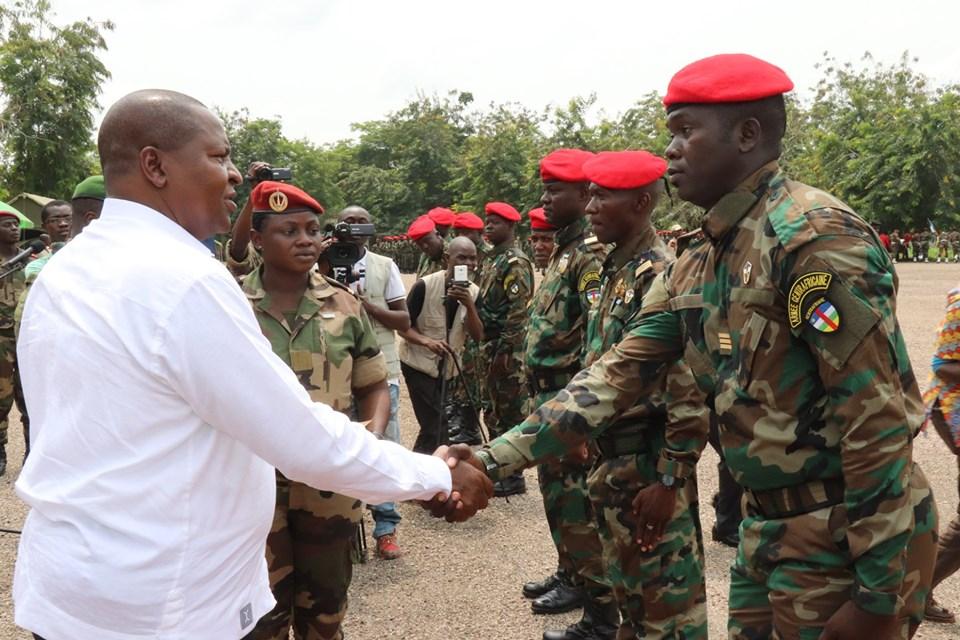 Armées de la République centrafricaine  - Page 9 _12c155