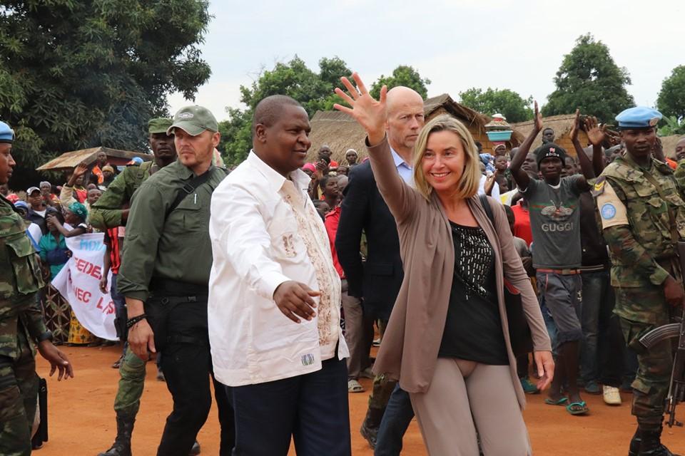 Armées de la République centrafricaine  - Page 9 _12c160