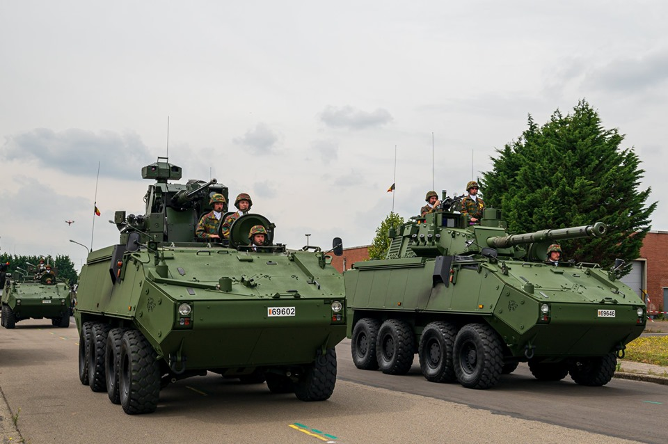 Armée Belge / Defensie van België / Belgian Army  - Page 21 _12c167