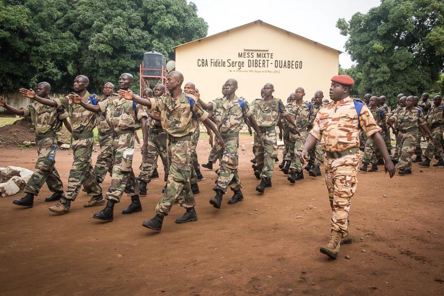 Armées de la République centrafricaine  - Page 9 _12c2111