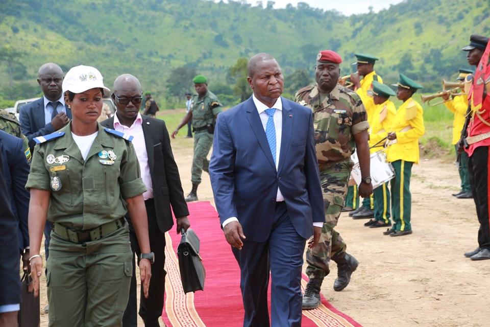Armées de la République centrafricaine  - Page 9 _12c280