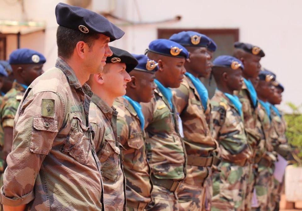 Armées de la République centrafricaine  - Page 9 _12c296