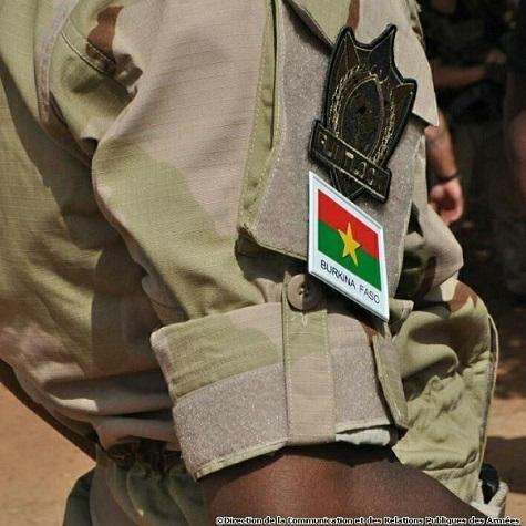 Armée nationale Burkinabé / Military of Burkina Faso - Page 4 _12c300