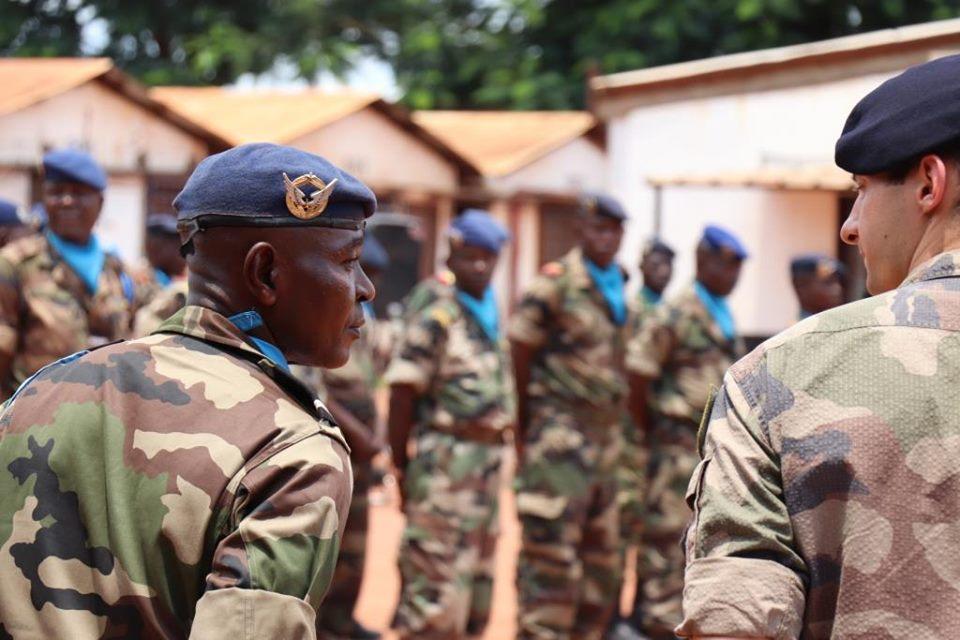 Armées de la République centrafricaine  - Page 9 _12d100