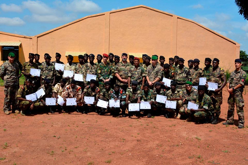 Armées de la République centrafricaine  - Page 9 _12d1107