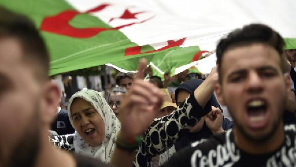 Actualités Algeriennes - Page 33 _12d119