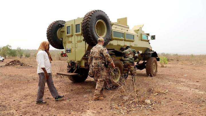 Armée Malienne / Armed and Security Forces of Mali - Page 15 _12d13