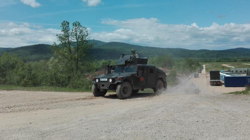Forces armées albanaises - Page 2 _12d17