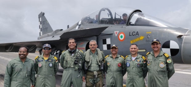 Armée Indienne / Indian Armed Forces - Page 26 _12d278