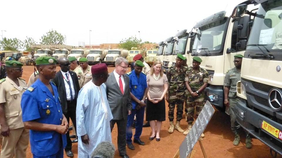 Forces Armées Nigeriennes / Niger Armed Forces ( FAN ) - Page 2 _12d32