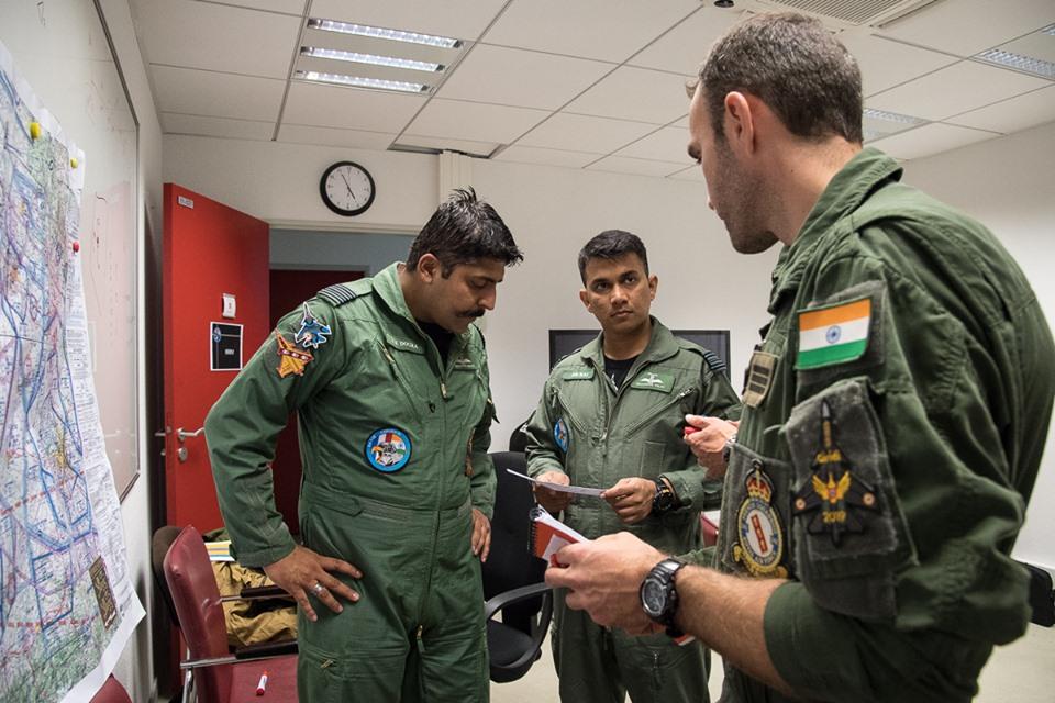 Armée Indienne / Indian Armed Forces - Page 26 _12d67