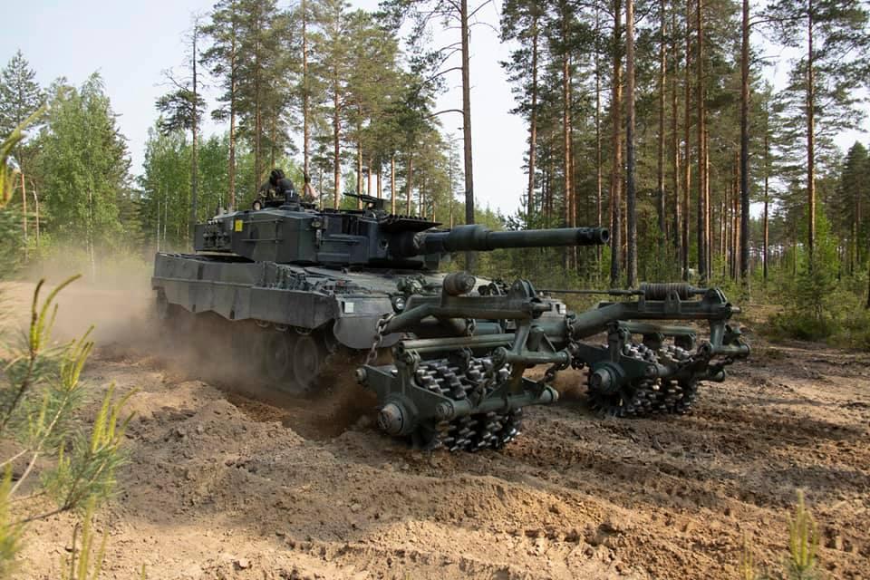 Armée Finlandaise / Finnish Defence Forces / puolustusvoimat - Page 10 _12e110