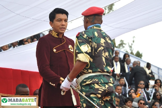 L'armée de Madagascar. - Page 3 _12e131