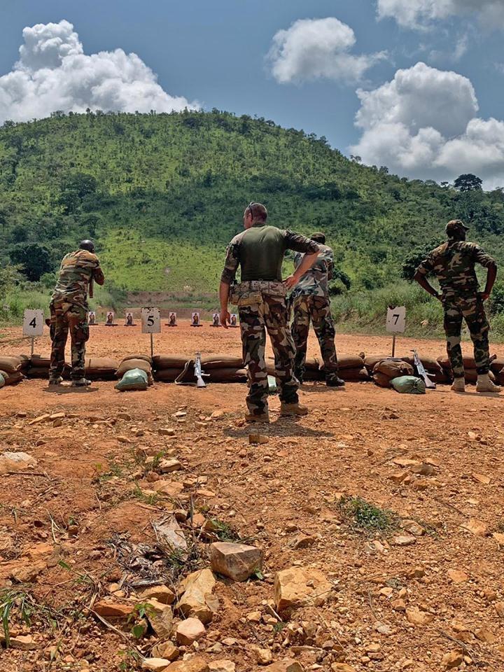 Armées de la République centrafricaine  - Page 9 _12e148