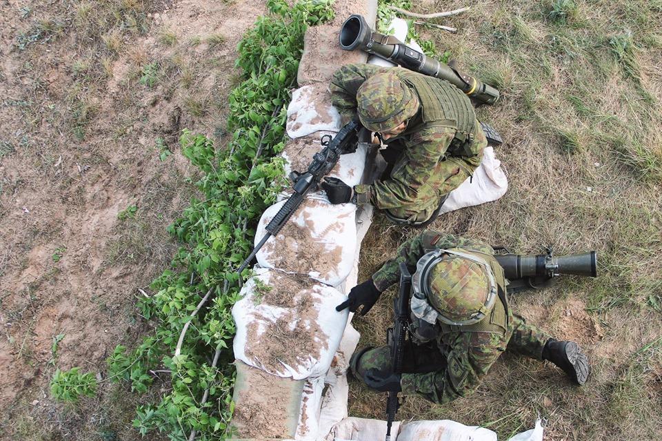 Armée lituanienne/Lithuanian Armed Forces - Page 6 _12e210