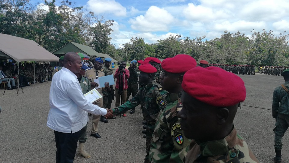 Armées de la République centrafricaine  - Page 10 _12e2104