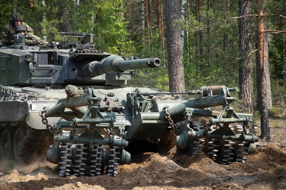 Armée Finlandaise / Finnish Defence Forces / puolustusvoimat - Page 10 _12e23