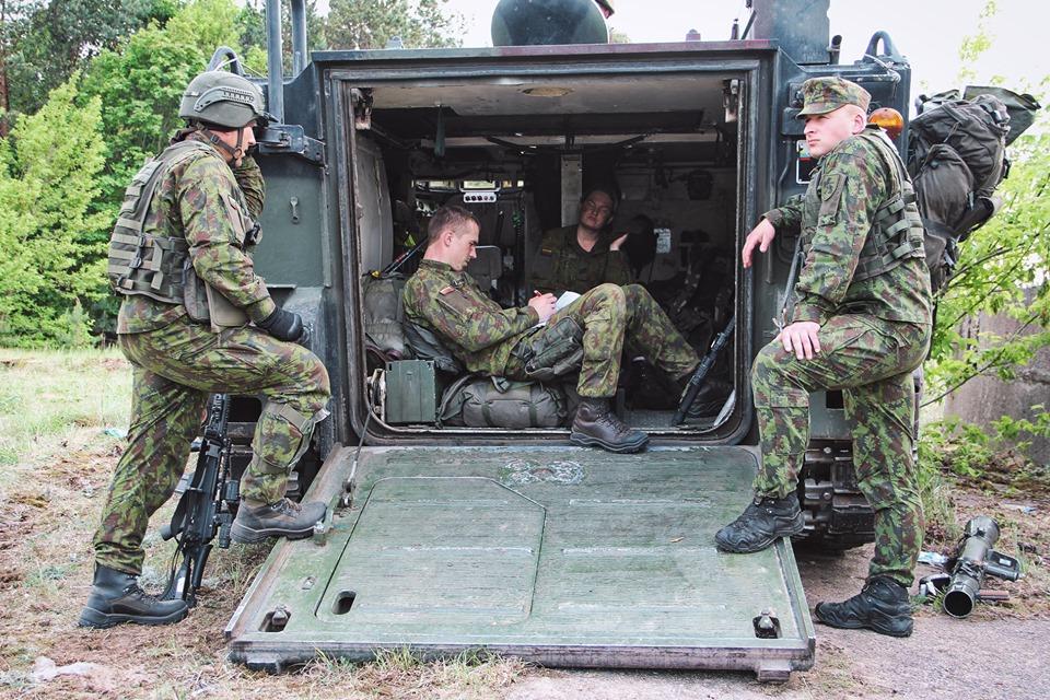 Armée lituanienne/Lithuanian Armed Forces - Page 6 _12e25