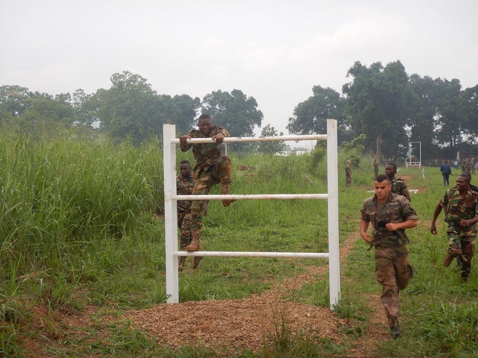 Armées de la République centrafricaine  - Page 9 _12e33