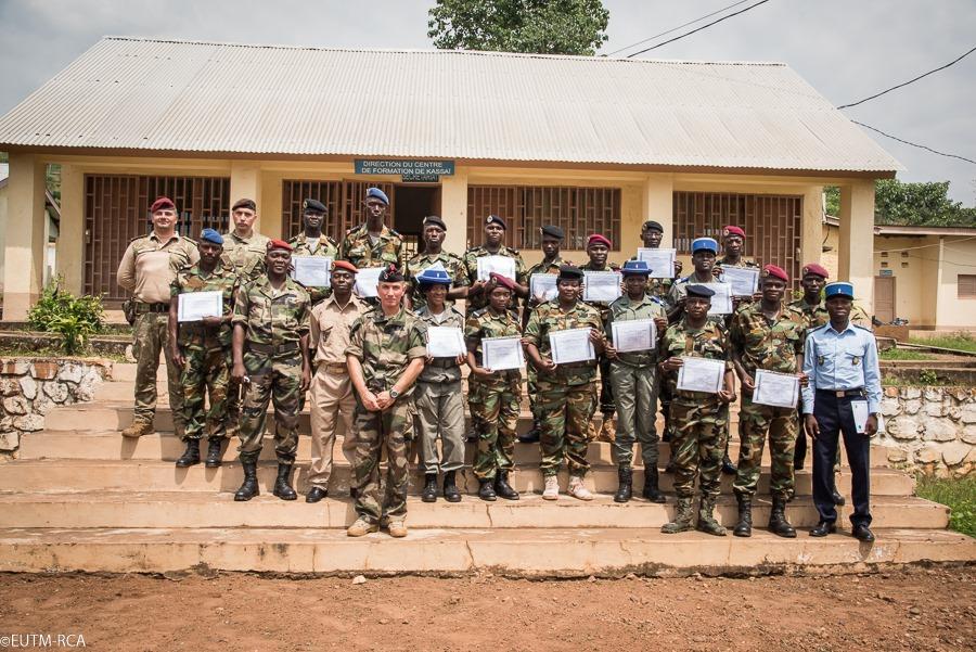 Armées de la République centrafricaine  - Page 10 _12e456