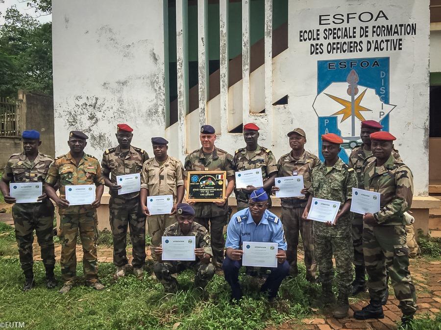 Armées de la République centrafricaine  - Page 10 _12e526