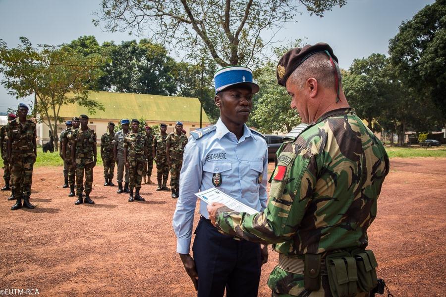 Armées de la République centrafricaine  - Page 10 _12e553