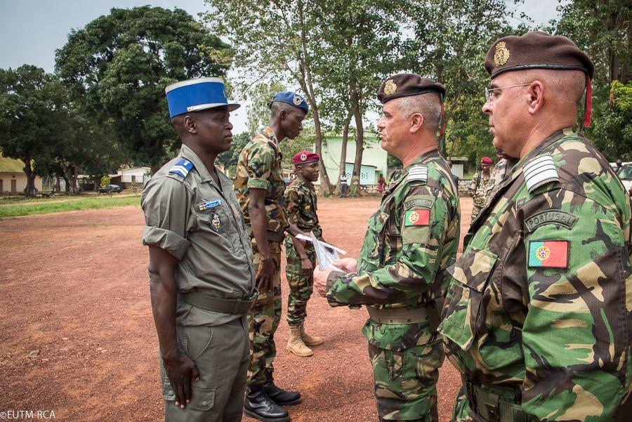 Armées de la République centrafricaine  - Page 10 _12e642