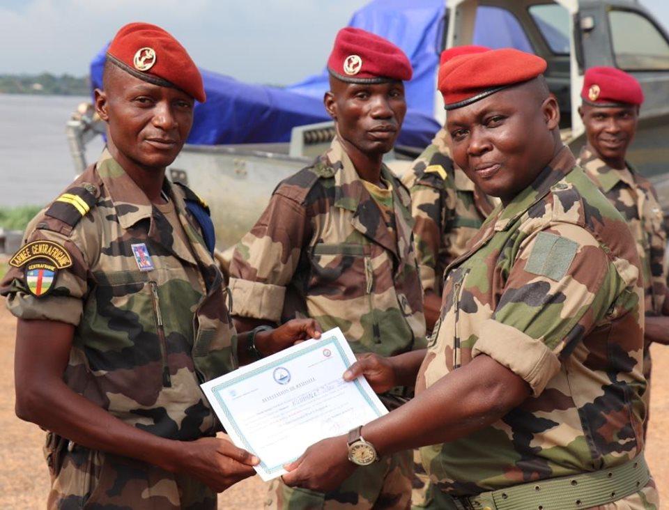 Armées de la République centrafricaine  - Page 9 _12e72