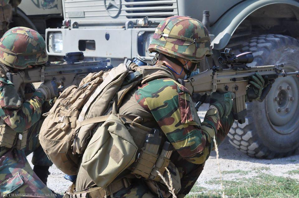 Armée Belge / Defensie van België / Belgian Army  - Page 24 _12f1073