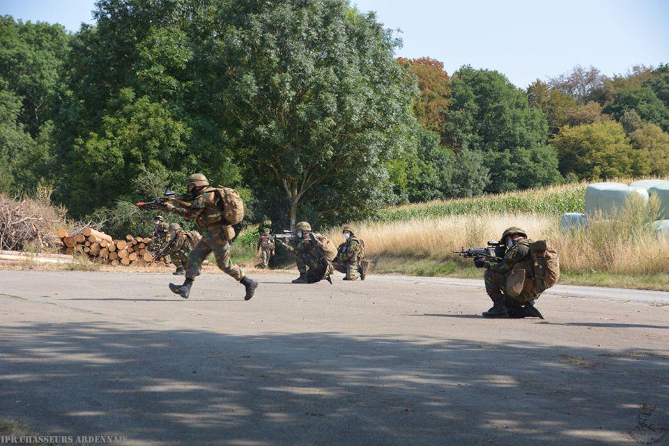 Armée Belge / Defensie van België / Belgian Army  - Page 24 _12f1074